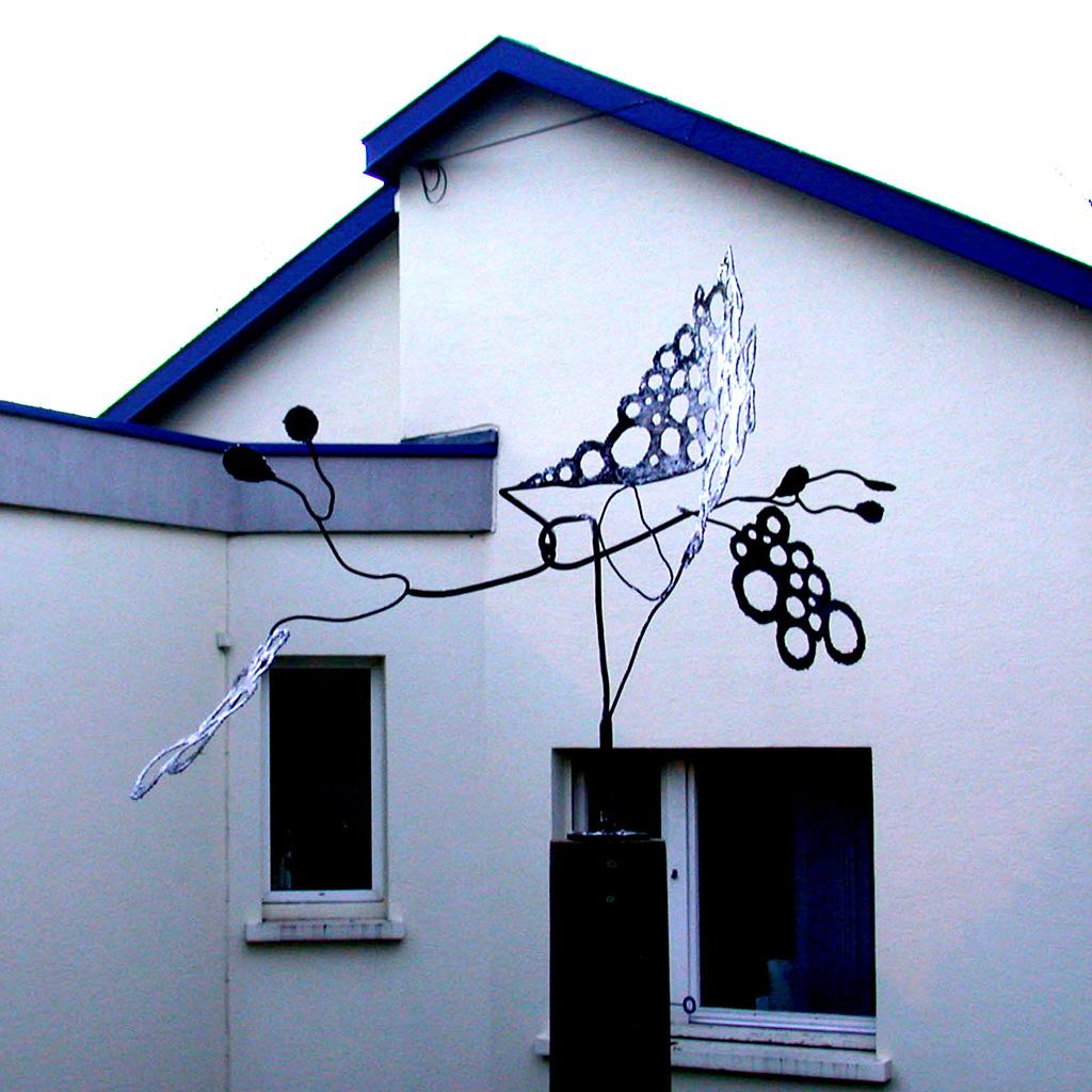Passoire à vent. Une sculpture de Louis Perrin