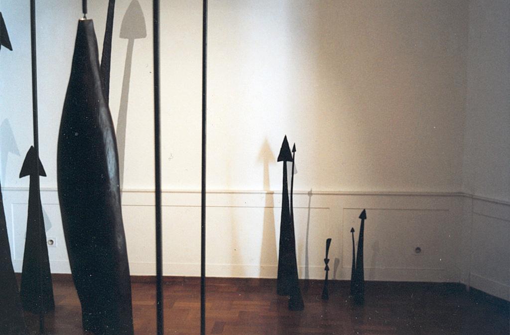 Exposition pour La lune en parachute par Louis Perrin